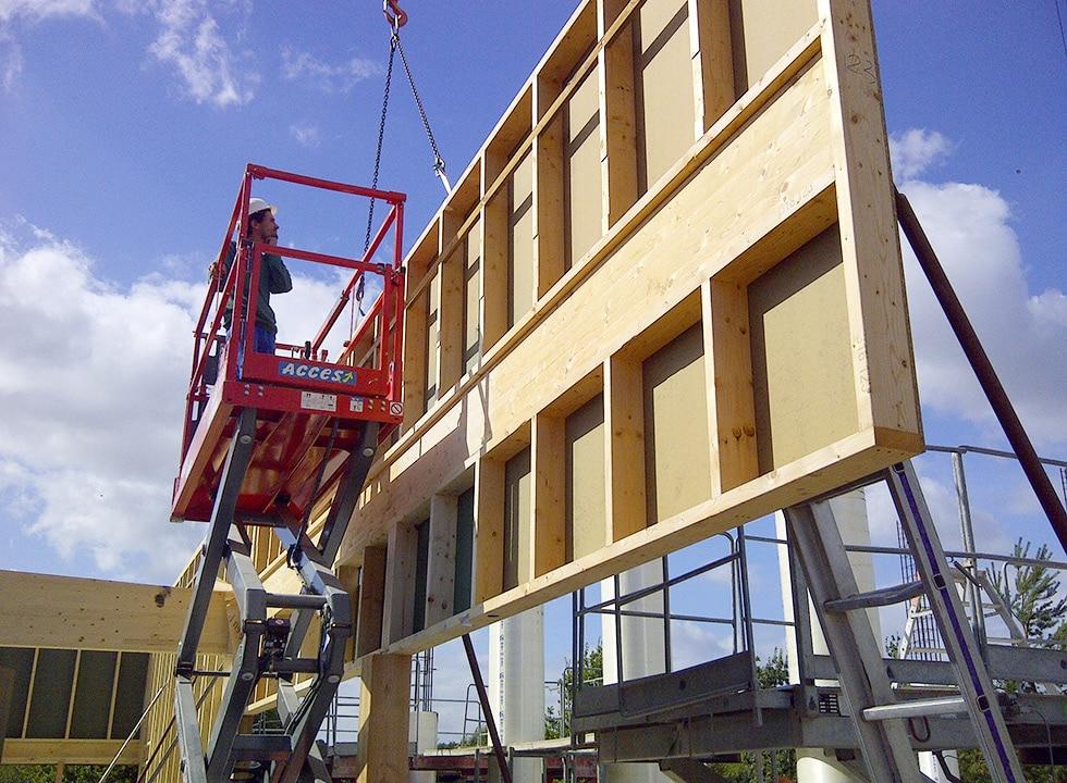 LCA construction monte des murs en ossature bois